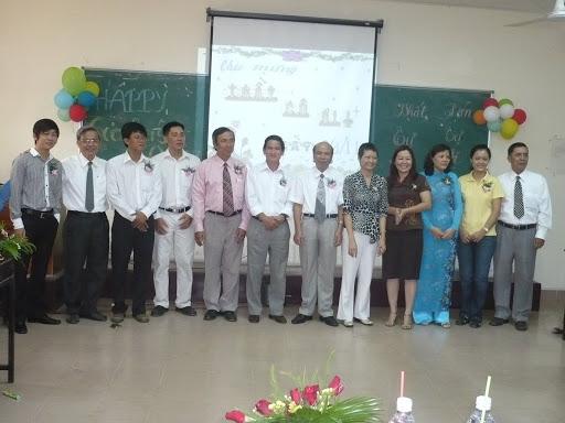 kỉ niệm ngày hiến chương nhà giáo 2009 P1050113