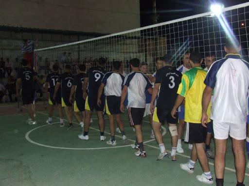 صور فريق كرة الطائرة المشارك في الدوري 7234_130578724397_731819397_2506505_7263448_n