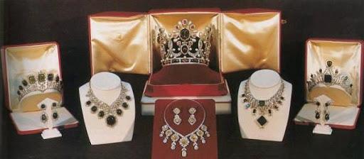 Joyas de la Casa Imperial de Irán - Página 2 2746126940031751182S600x600Q85