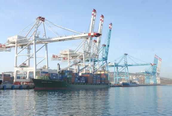 Tanger - Futur grand port de l'Afrique - Page 4 FDO_0381