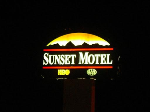 Sunsets @ Night 0464_091109d07_NMmorty_sunstNight