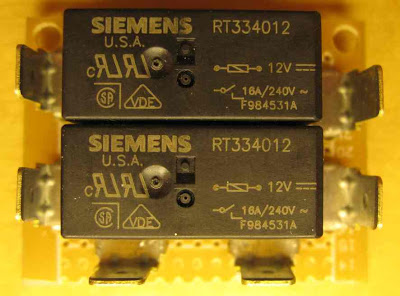 Converting K100RS to K100RT++ Headlight%20relay%20board%20top