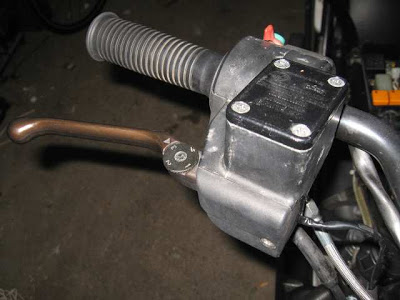 Installing K1100 front Brakes on a  non-ABS K100RT 029small