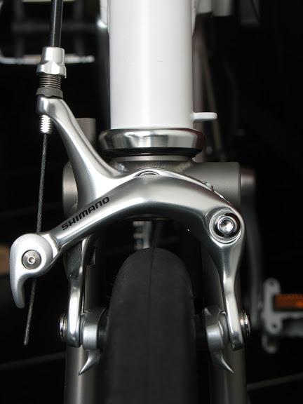 Atelier cycles à Ixelles [montages d'étrier caliper alternatif] IMG_5980