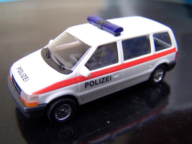 S2 police Chrysler%20Voyager%20-%20Police%20Autrichienne%20%28Busch%29.JPG1.