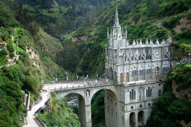 Najlepše crkve i katedrale  20-unusual-churches-p1-laslajas