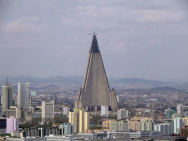 Najviši hoteli na svetu 23-ryugyonghotel-thumb