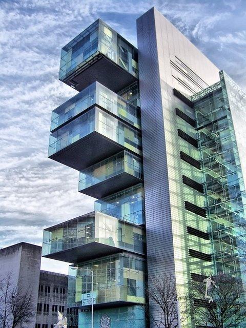 غرب 50 مبنى في العالم 15-manchesterciviljusticecentre-thumb