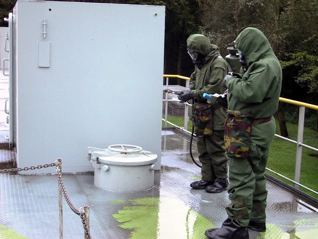 Où acheter un équipement NBC complet Marine%202004%20NBC%20De%CC%81contamination%20%26%20Detection%20006_edited
