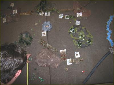 Debriefing de la journée Warmaster du Crazy Orc le 27/09/08 Tour%202%20du%20mal%20-%20centre