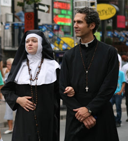 Les religieux dans la pub Rire11