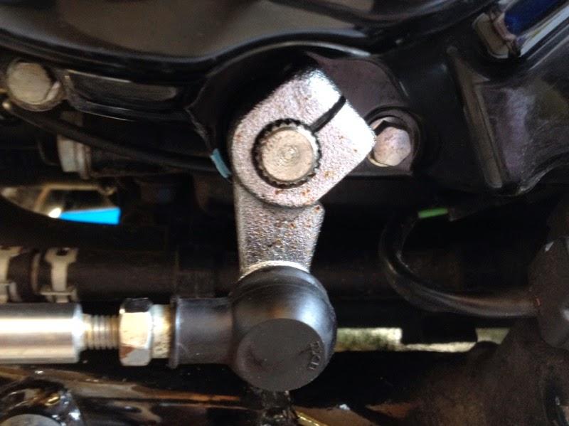 Gear shifter rod feels crunchy IMAGE_28