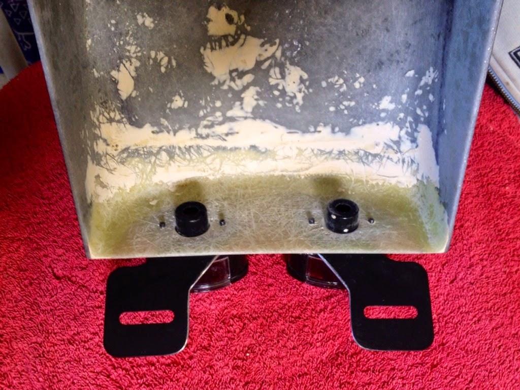 Custom fiberglass rear fender for M800 IMAGE_98