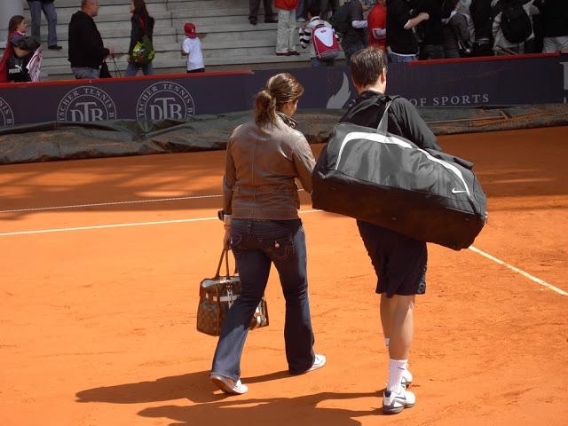 Mirka entrenando con Roger 70