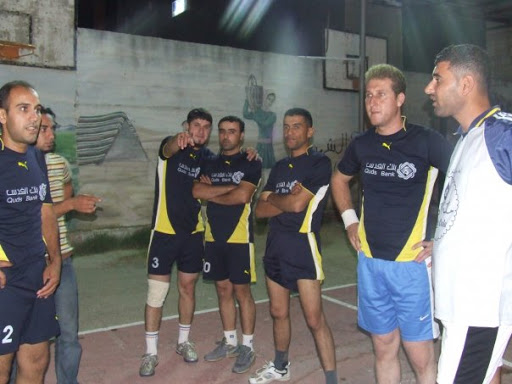 صور فريق كرة الطائرة المشارك في الدوري 7234_131146884397_731819397_2511921_5488573_n