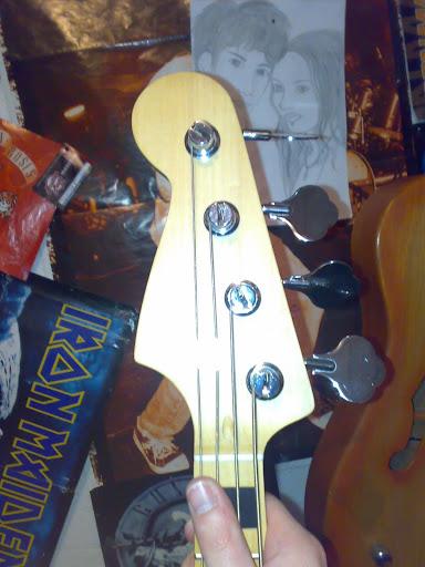 Jazz Bass (LH) feito Pelo Luthier Cavalheiro 20112010319