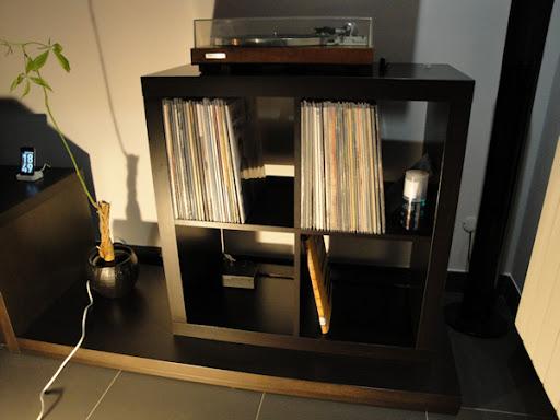 Estante Expedit Ikea, para arrumação de discos de vinil Estante10