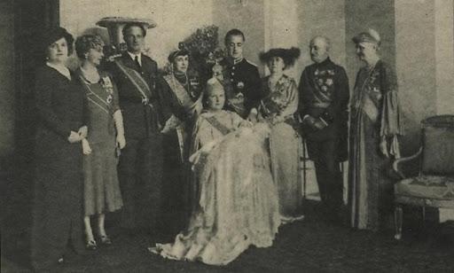 La Casa de Orange: Willem III, Wilhelmina I y Juliana I. - Página 3 Bautizo%20beatriz