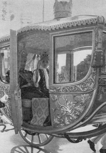 Carruajes, vehículos y veleros reales - Página 2 Teheran20