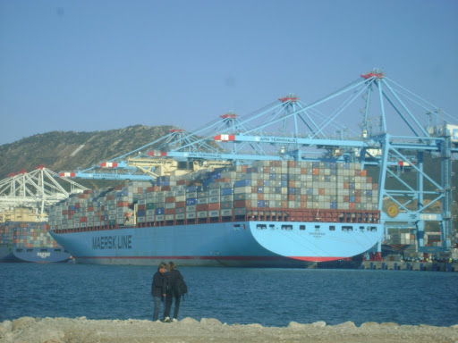 Tanger - Futur grand port de l'Afrique - Page 4 Emma%20MAERSK