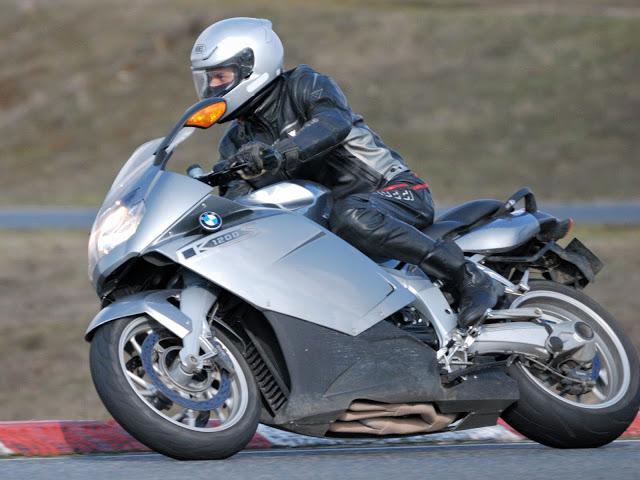 Vos plus belles photos de moto - Page 2 DSC_7930