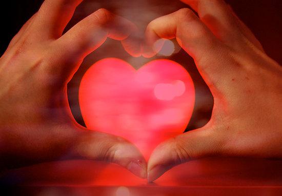 FOTO TË MUAJIT GUSHT 2502471-2-the-hands-of-love