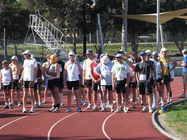 16-17 avril 2011: 24 heures de Melbourne (Australie) 058%20start