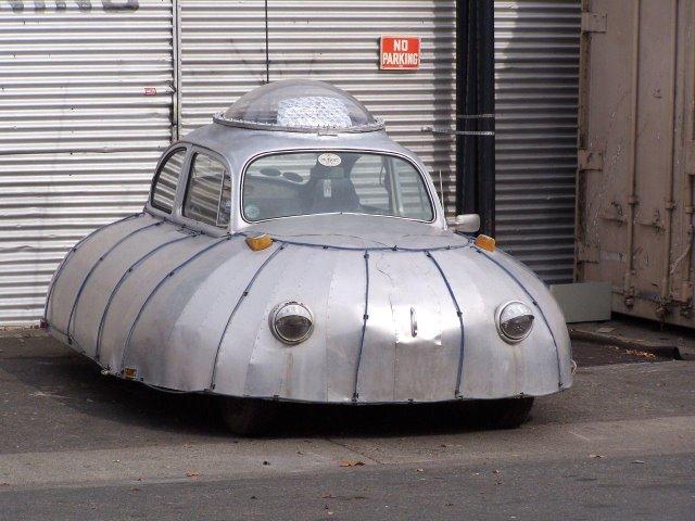 coches curiosos... - Página 2 Ufo-car2