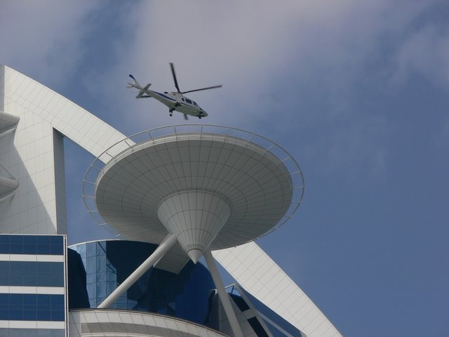 Najviši hoteli na svetu 02-burj-al-arab-helipad