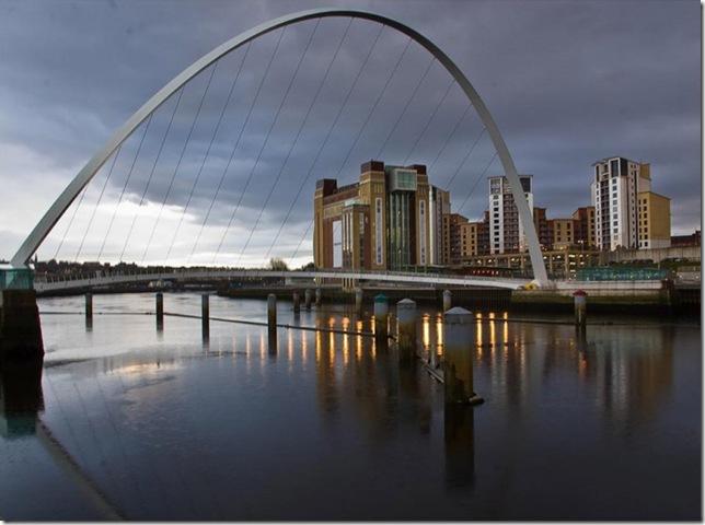 Самые большие и красивые мосты мира MillenniumBridge1_3