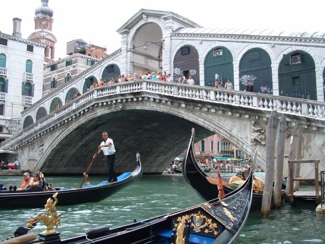 Самые большие и красивые мосты мира RialtoBridge_3