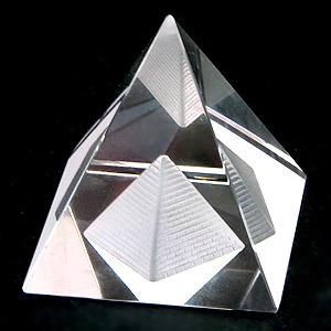 Пирамида. Пирамиды в магии. Магические и лечебные свойства пирамид. Тайна пирамид. Все о пирамидах. Тату пирамида.  0304860