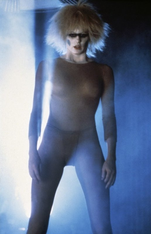 Women Wearing Revealing Warrior Outfits - Page 2 Blade-runner-1982-28-g