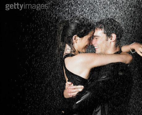 Любовь.... Love-couple-in-the-rain