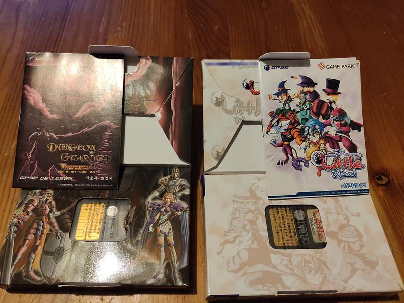 [VDS] Console Gamepark GP32 complète en boîte + jeux officiels 51109892056_abf5e98e08_c