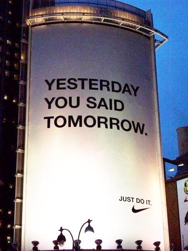 Vos slogans publicitaires préférés Yesterday-tomorrow-nike