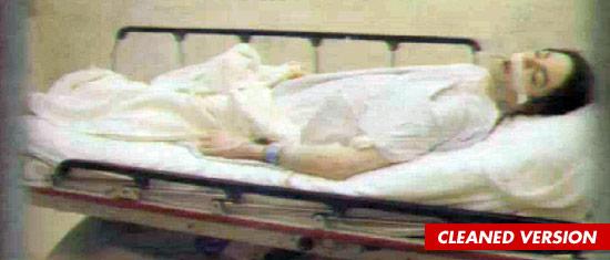 People VS Conrad Murray (definitivo): news e aggiornamenti - Pagina 2 0927-michael-bed-dead-sub