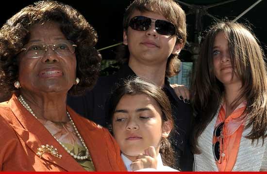 [AGGIORNAMENTI] TJ Jackson è il nuovo tutore legale temporaneo dei figli di MJ 0728-katherine-jackson-kids-1
