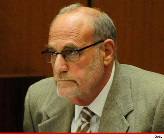 Ex medico di MJ denunciato per molestie sessuali 0130-dr-allan-metzger-getty-3