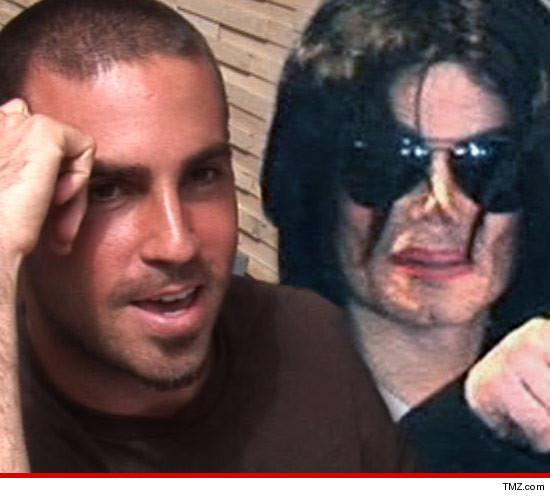 [ACCUSE RIGETTATE] Il coreografo Wade Robson accusa MJ di molestie  0507-wade-robson-tmz-michael-jackson-3