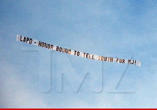 [NEWS] Processo: Jackson VS Aeg Live - Pagina 6 0603-michael-jackson-wm-airplane-article-1