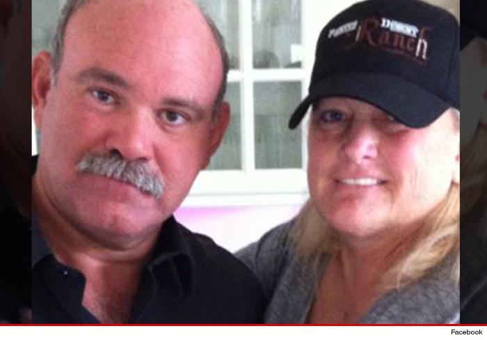 Debbie Rowe ha intenzione di risposarsi 0610-marc-shaffel-debbie-rowe-facebook2-3