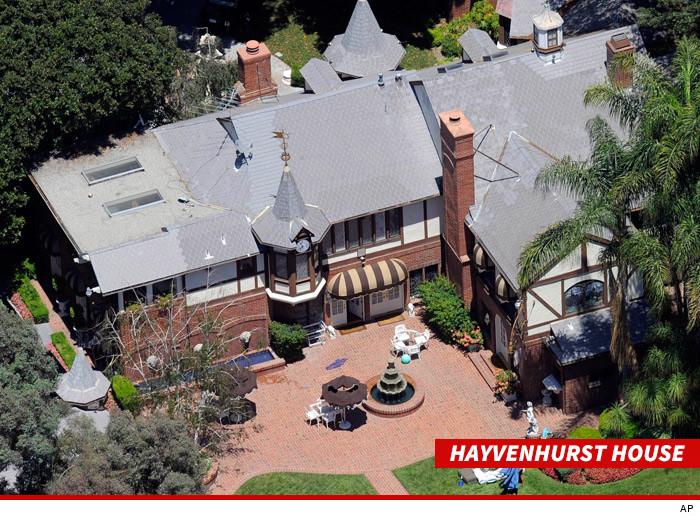 L'Estate di Michael Jackson sta considerando di aprire la casa a Encino per i turisti 0803-hayvenhurst-home-mj-ap-3