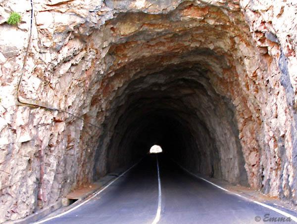 Tuneli Tunel
