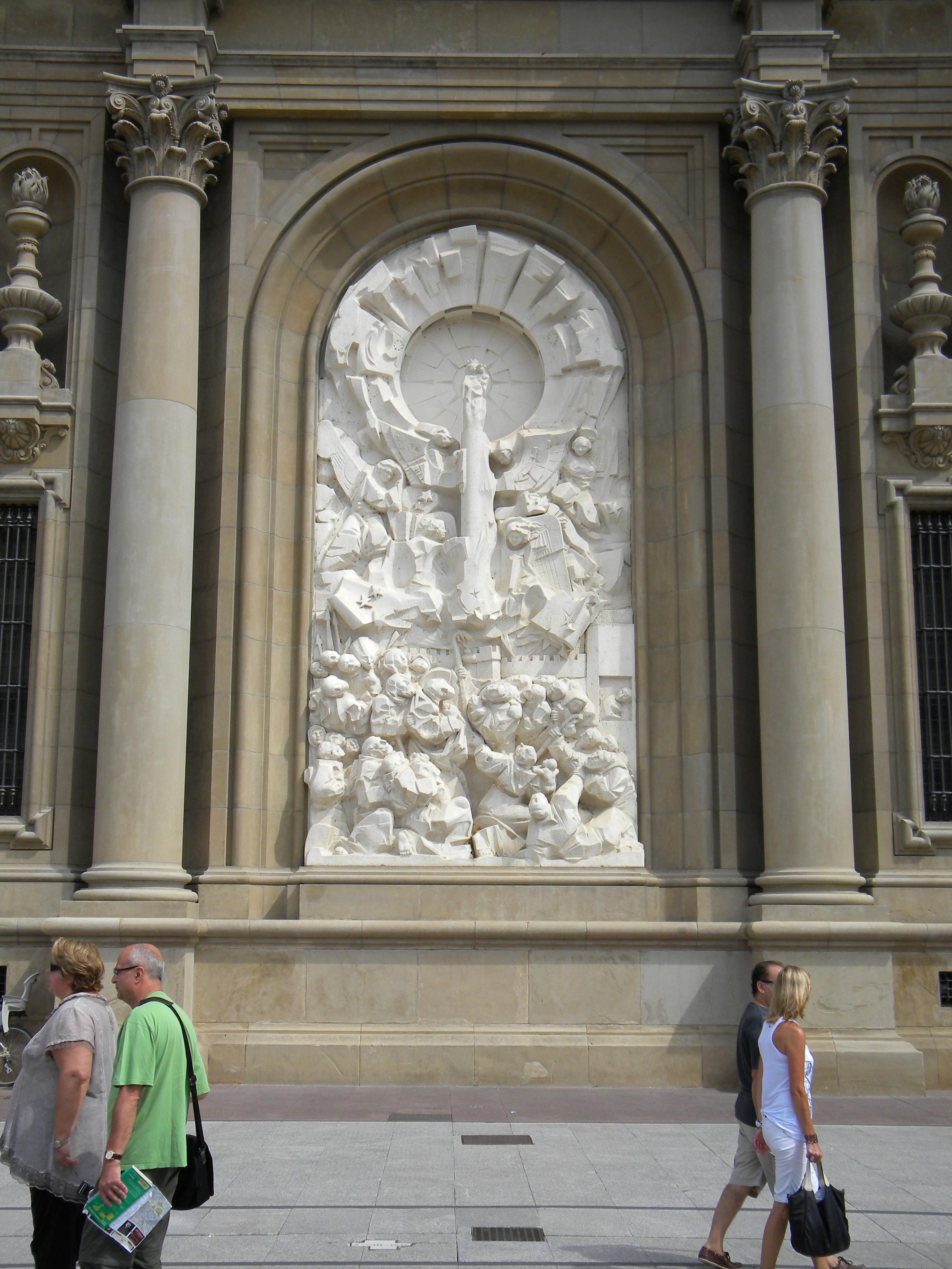 32 Basilica del Pilar