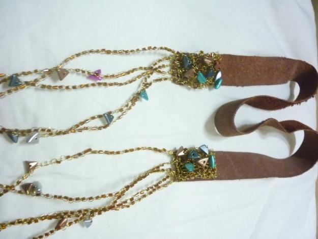 Bisutería con cordón de cuero Bisuteria-Tejida-a-crochet-en-hilo-de-cobre