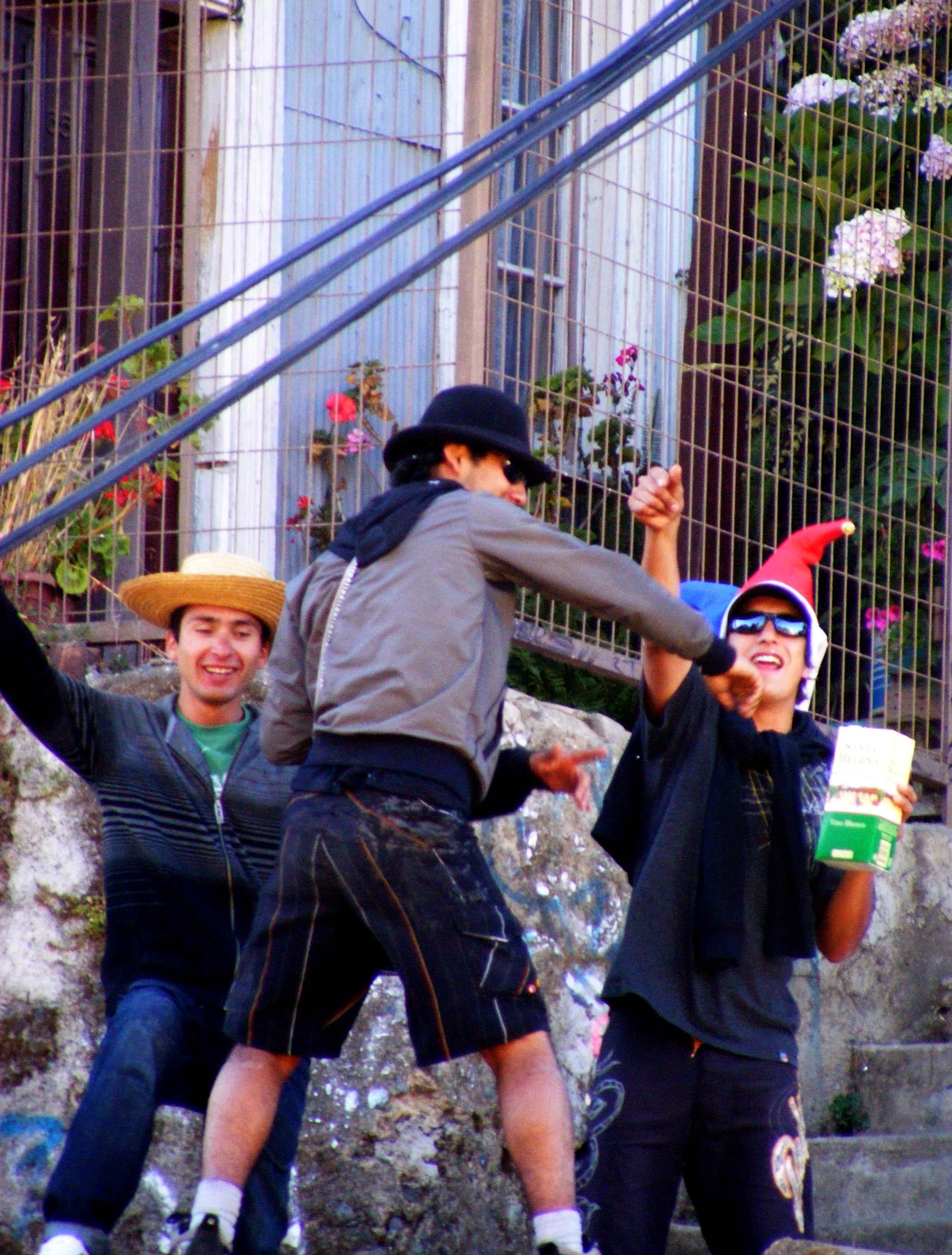Sobrevivir al año nuevo en el litoral. 10 consejos (Cuidado Mucho chilenismo) Ac3b1o-nuevo-lp