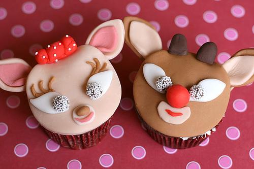 Le concours éternel  Christmas-cupcake-assortment-4