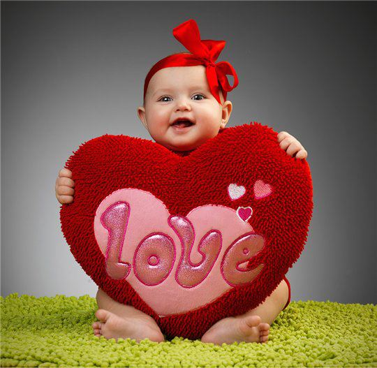 Srce  - Page 38 Cute-baby-love-pictures