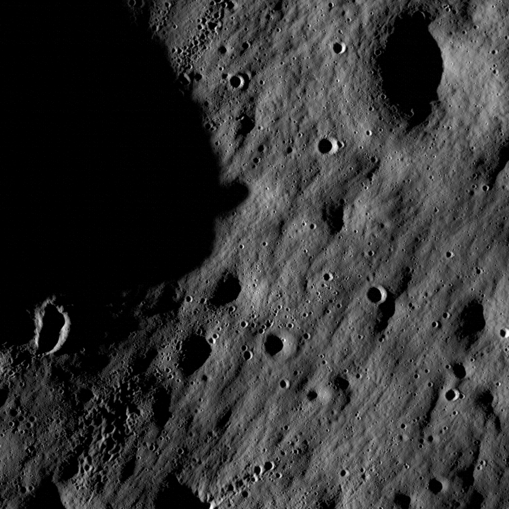 LRO (Lunar Reconnaissance Orbiter) - Page 5 Nacl000000fd_top_detail